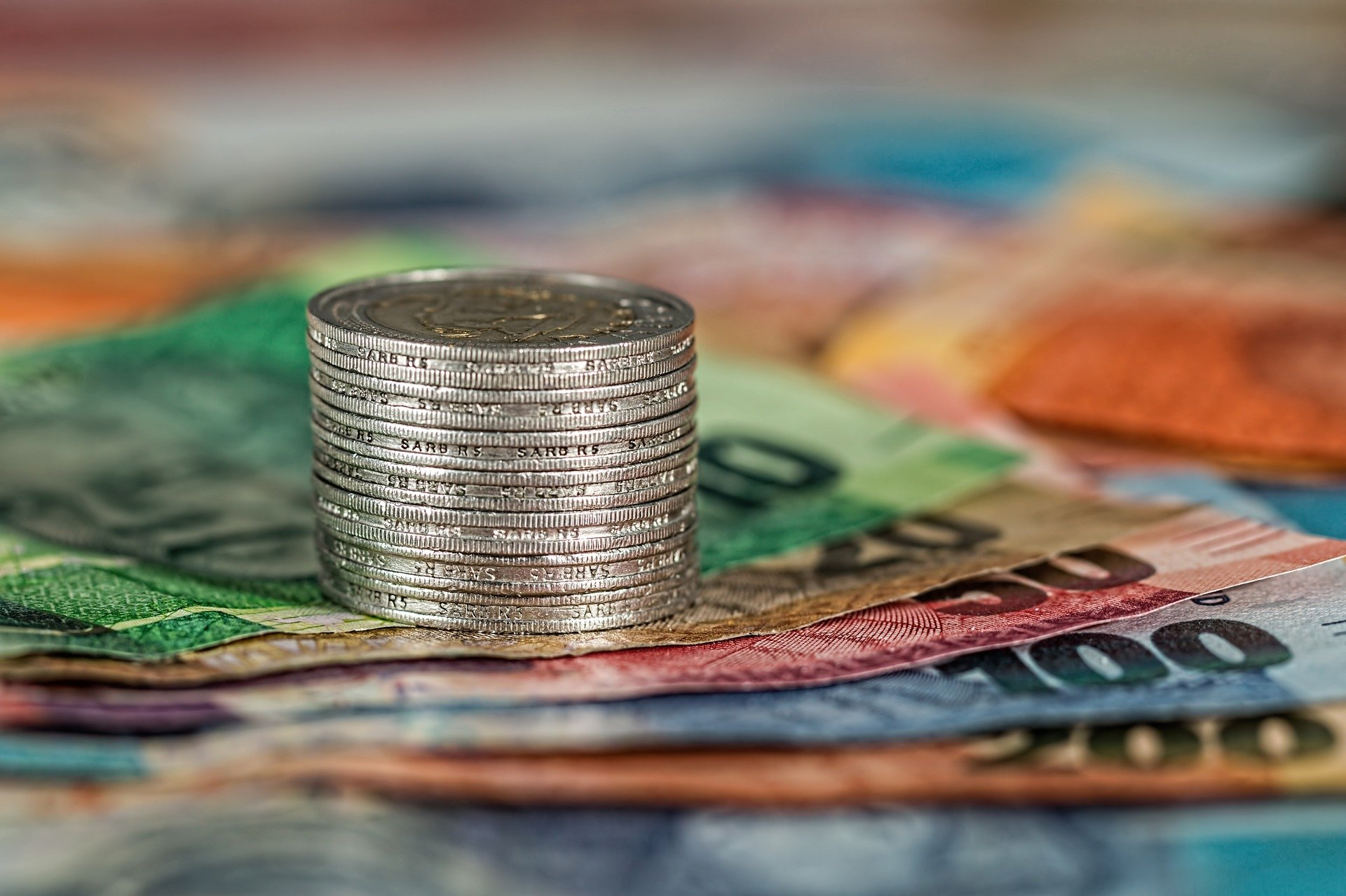 How do forex brokers make money